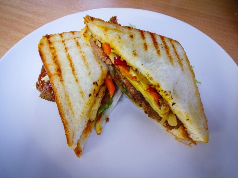 Deluxe Sandwich-1