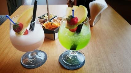 Cocktails in der Hotelbar