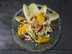 Brüsseler-Salat mit flambierten Orangen