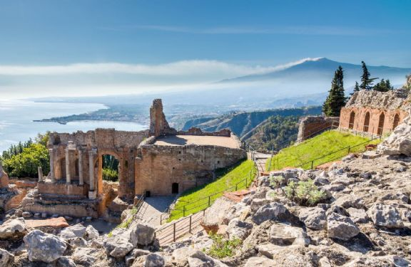 Sizilien-Taormina-urlaub-Italien-JT-Touristik-shutterstock-191244455