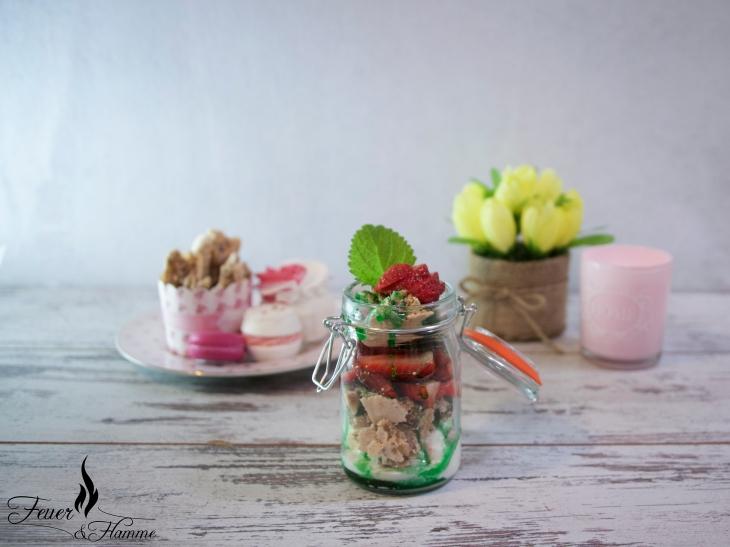 Erdbeer-Eis-Becher-1